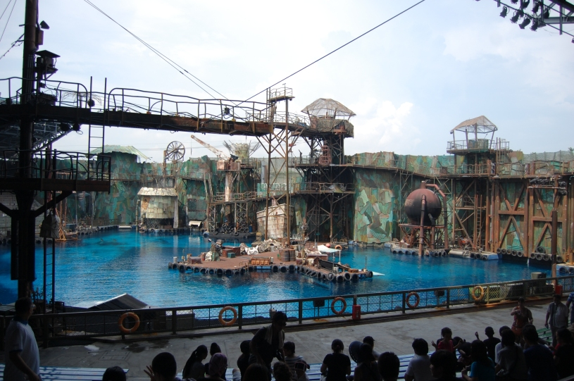 Waterworld_arena_(Universal_Studios_Singapore)